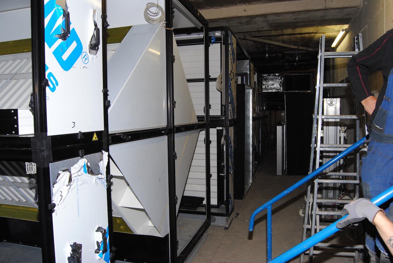 Hallenbad Gronau (DE) 2xSKW18Pool 2×18.000 m³/h, SKW2Roto 4.500m³/h Lobby, Dressing rooms SKW6Recu  8.500 m³/h